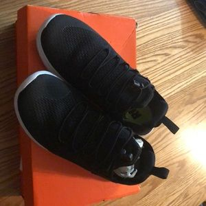 New woman's Nike size 8.5